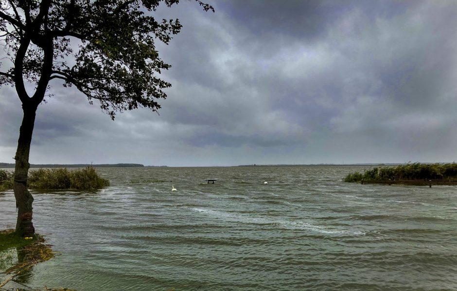 Rieth am Stettiner Haff. Sturmflut an der Ostsee.