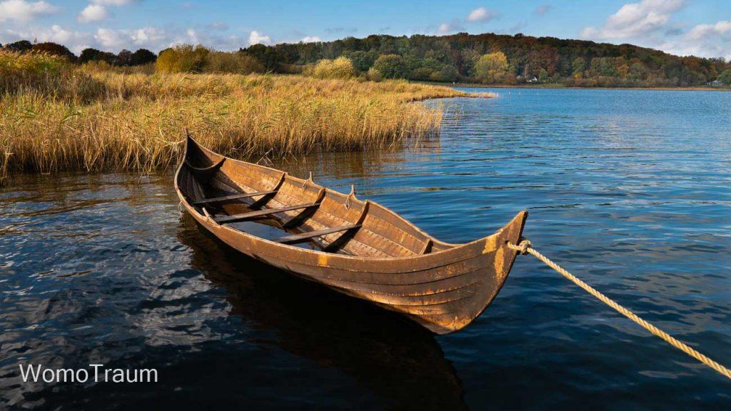 Wikingerboot im Museum Haithabu in Schleswig - Schleswig-Holstein